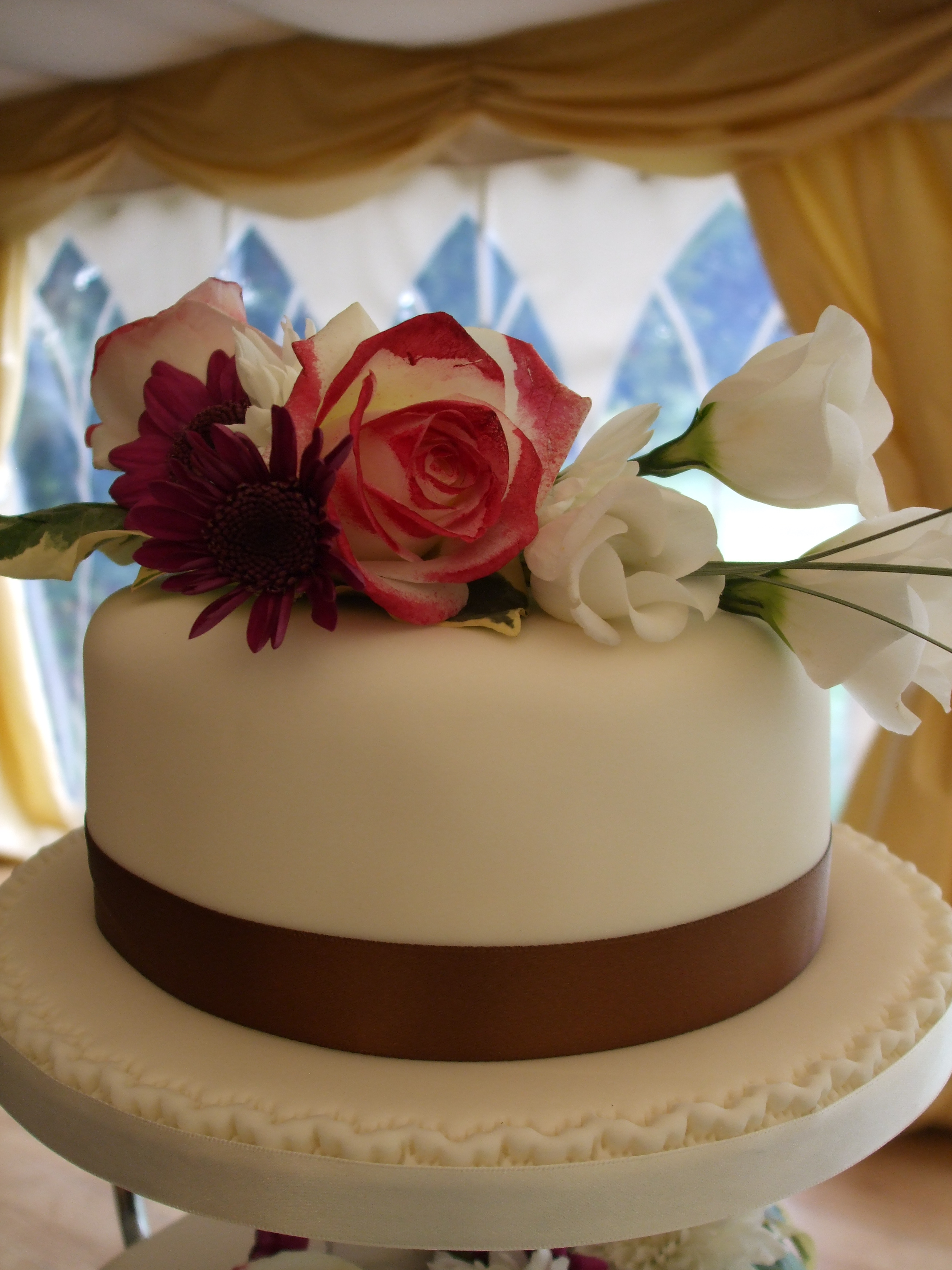 Cake Decorating Artificial Flowers : Cake Flower Decorations, Artificial flowers ...